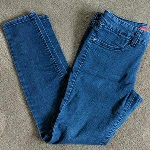 Dark blue skinny jeans by Elle